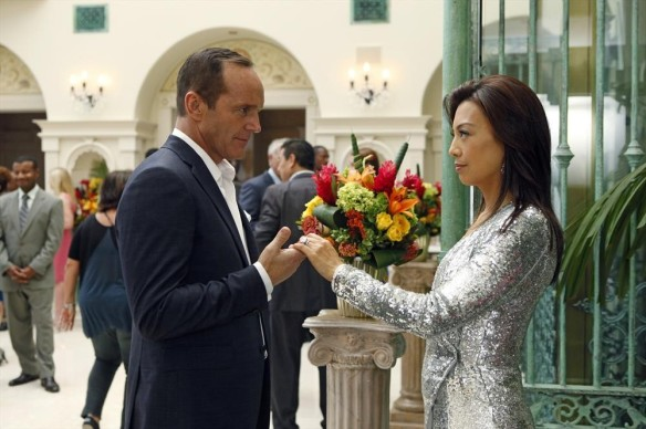 "Phil Coulson and Melinda May in ""Face My Enemy"""