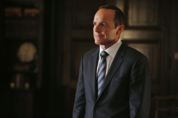 Phil Coulson in A Fractured House